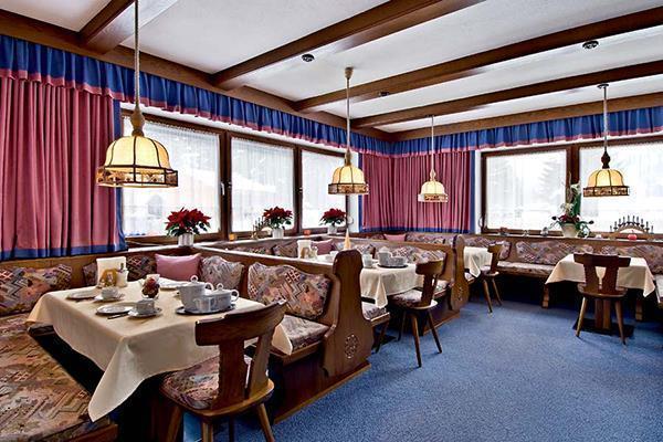 austrija_st_anton_arlberg_apartmani_alpenrose_restoran-1
