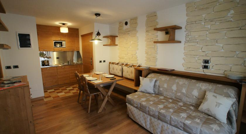 italija_val_di_fassa_adler_family_wellness_club_residence_apartman-1