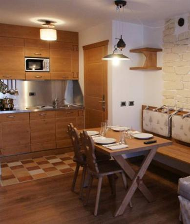 italija_val_di_fassa_adler_family_wellness_club_residence_kuhinja-1