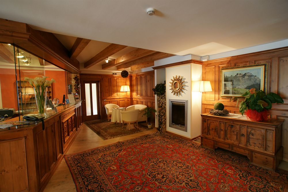 italija_val_di_fassa_al_sole_hotel_clubresidence_lobby