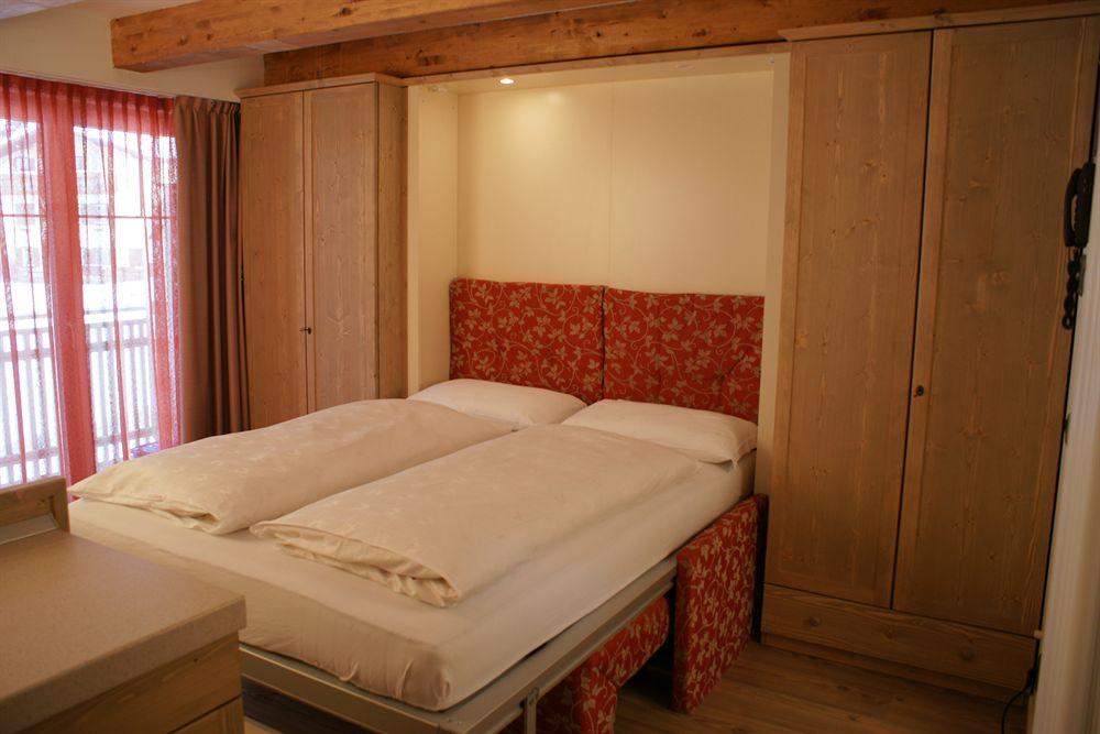 italija_val_di_fassa_al_sole_hotel_clubresidence_soba_2